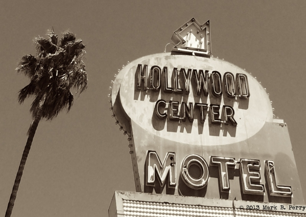 Hollywood Center Motel